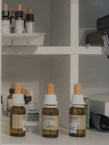 Therapien Bachblüten Bottle in meiner Praxsis